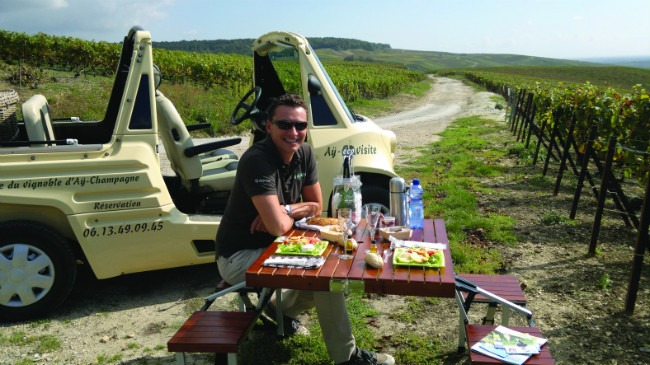 Activité de Jeep éléctriques à AY en Champagne Ardenne