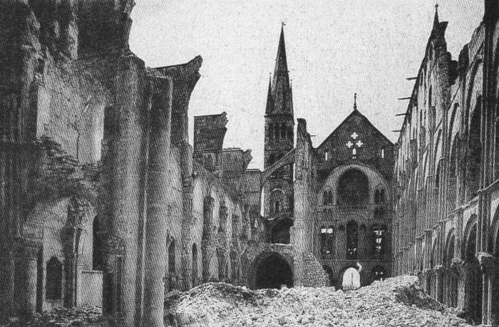 L'histoire tragique et triomphante de la cathédrale de Reims en France 3