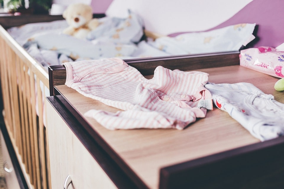 Lit parapluie pour bébé : Utilisation & guide d'achat 1