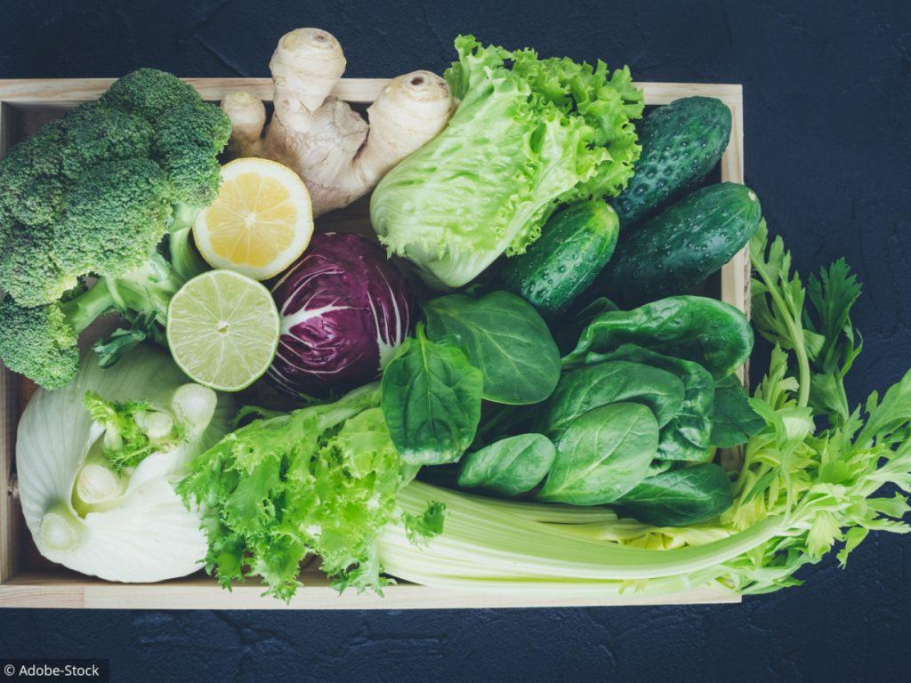 La vitmaine K présente essentiellement dans les légumes verts : chou, épinard, brocoli