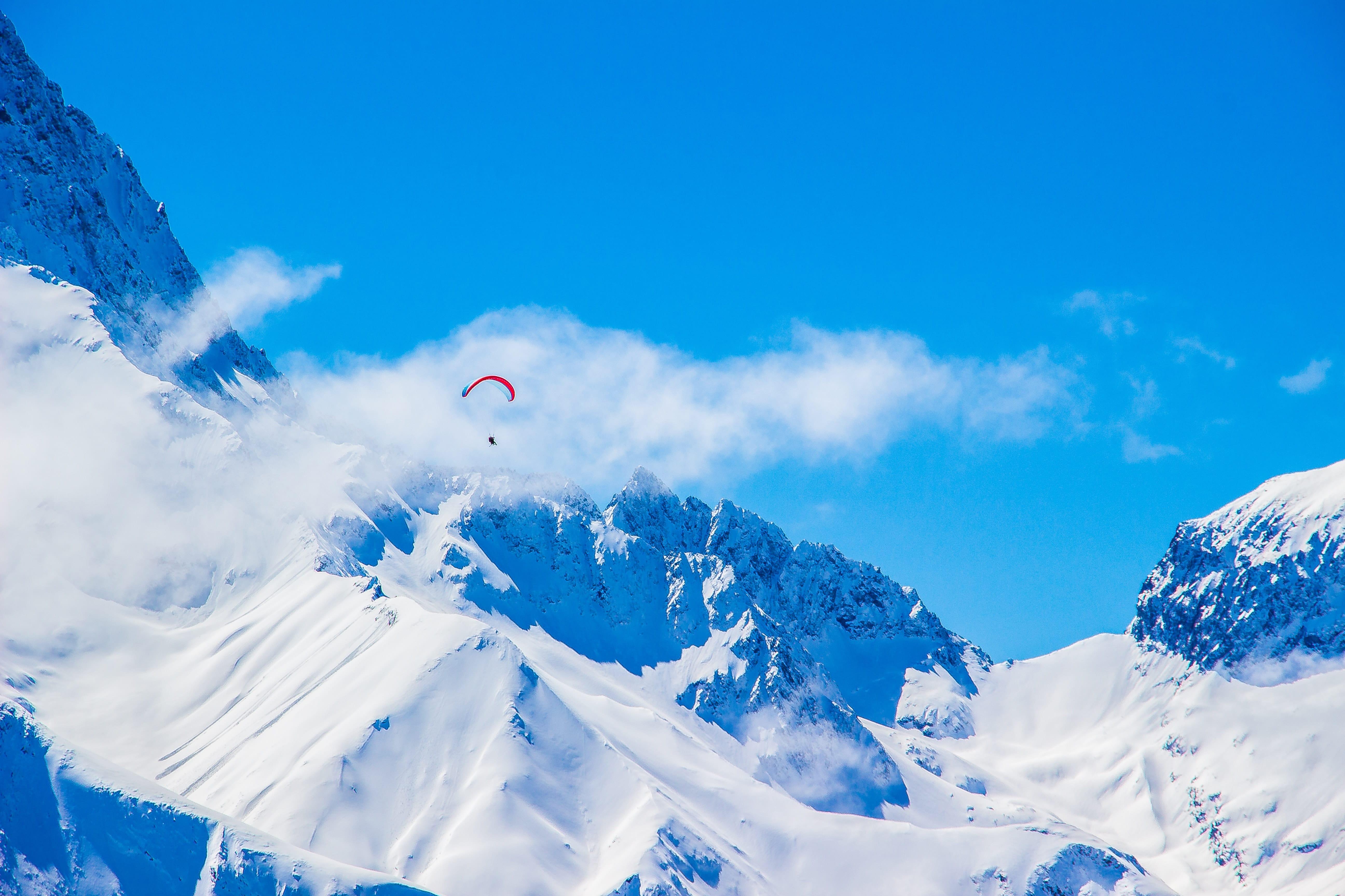 Découvrez les sports de haute voltige à Chamonix (parapente et speed rising) 1
