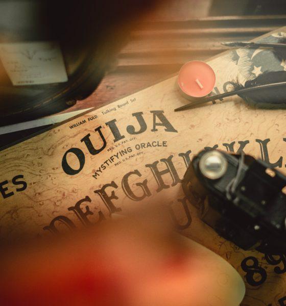 Comment fabriquer une planche de ouija? 1