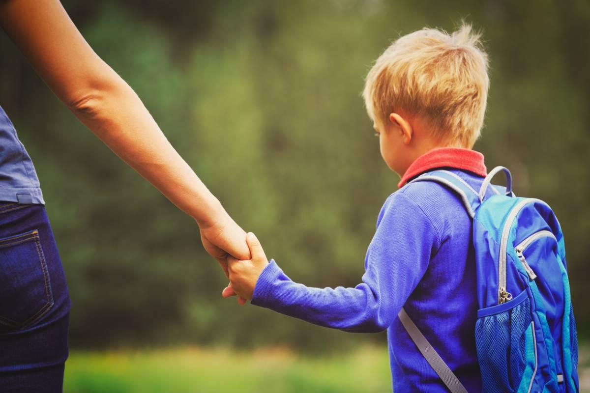 Parent solo : comment s'organiser entre les horaires de travail et l'école de ses enfants ? 1